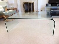 Large clear glass coffee table with curved ends - mint condition