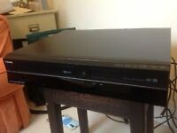 Toshiba DVD/Video Player/Recorder inc Freeview. Perfect condition & complete with all cabling etc