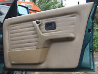 BMW 316i 320 estate E30 Lagunengrun-metallic DOOR INTERIOR breaking for parts