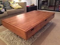 Teak 6 drawer solid wood coffee table excellent condition