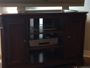 STUNNING CORNER TV CABINET- EXCELLENT CONDITION
