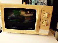 Microwave medium size Tesco model 700W Southbourne