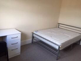 FRESHLY RENOVATED FULLY FURNISHED DOUBLE ROOM IN 5 BED SHARED HOUSE