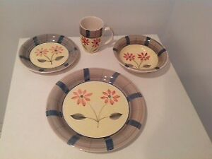 SET DE VAISSELLE 30 MCX STONEWARE DISHES 30 PIECES