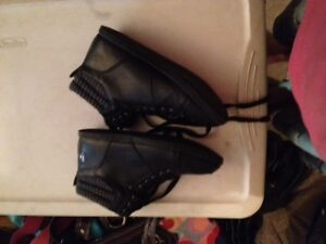 im selling these because either they dont fit or too high for me London Ontario image 5