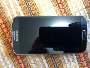 SAMSUNG S4 16 GB USED IN VERY GOOD CONDITION