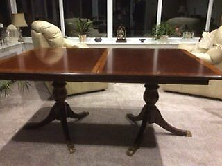 Extending Reproduction Dining Table with 6 Chairs and 2 Carvers