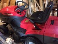 Castle Garden ride-on lawnmower 17.5 brake horse power.57 hrs Briggs & Stratton engine 40 inch cut.