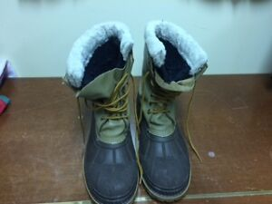 WINTER BOOTS Kawartha Lakes Peterborough Area image 1