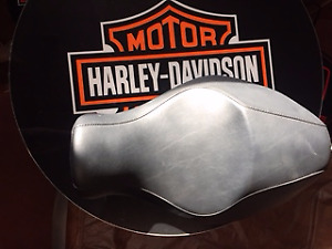 Harley Davidson Solo Sportster Seat