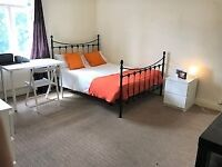 No Deposit Needed* A LARGE double bedroom, close to Coventry University. Modern Décor