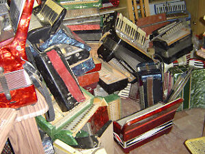 Old accordions wanted!