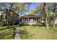 OUTSTANDING RIVER HEIGHTS HOME! AMAZING VALUE