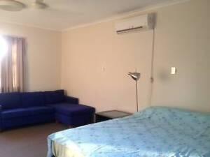 Spacious FF Master Bdrm inc bills aircon leafy views wifi netflx Fannie Bay Darwin City Preview