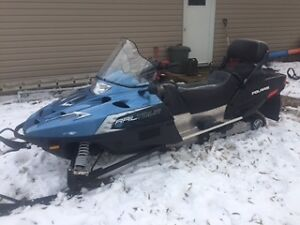 2010  550 fan Polaris touring sled only 252 miles
