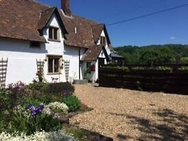 Beautiful 3-bed cottage with 2-acre field, vegetable garden & orchard