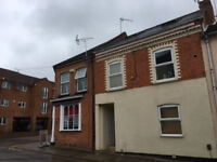 2 bedroom flat in Edith Street, Northampton, NN1
