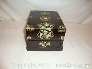 Vintage Chinese jewelry box with folding mirror