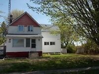 Great little house in Iroquois!