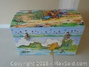 Winnie the Pooh Trunk including Bag