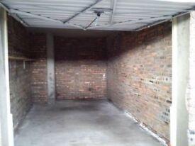 Cumbernauld - spacious garage/lock up for long term let...