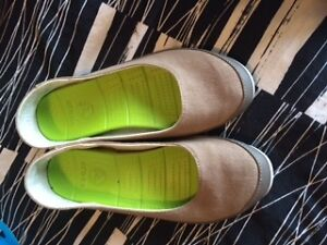 crocs loafers size 10