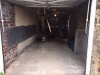 Garage for rent in Leeds (LS7) for (storage or car)