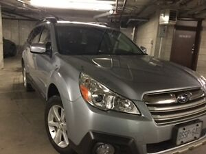2014 Outback 2.5i limited with Optional Technology Package