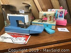 3 Child Sewing Machine Holly Hobby Metal