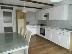 3 Bed town house in Byker/Heaton for group of 2 or for Family