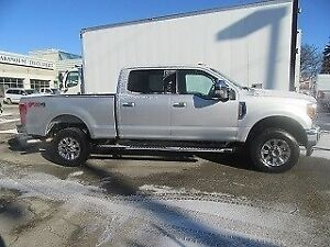 2017 Ford F-250 CREW CAB 4X4 GAS SHORT BOX PREM XLT