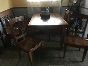 Beautiful Solid Maple Wood 7pc Dining Set