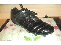 ADIDAS BLACKOUT RUGBY BOOTS (FOR FORWARDS) SIZE 14 EXCELLENT CONDITION ONLY WORN ONE GAME