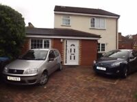 3/4 Bedroom House with seperate 1 Bedroom Bungalow Old Harlow