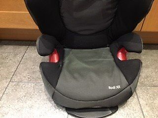 Maxi-Cosi Rodi Car Seat (3.5 - 12yrs) Black/Graphite grey & Manual - Excellent Condition