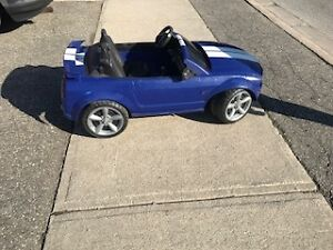 Power Wheels Ride on Ford Mustang