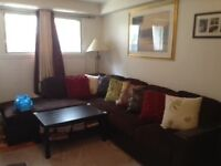 APPARTEMENT.   A.   LOUER.    3.1/2----TRES.  BGRAND