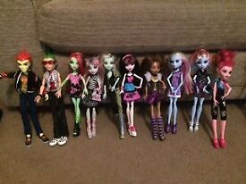 Monster High - School Playset + 13 dolls + Creepers + Bag