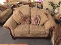 For Sale: 2-seater settee