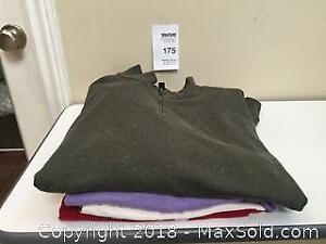 4 Pieces of Men's Clothing Size XXL