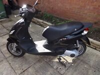 Piaggio Fly 125 3V Scooter (Black - Low Mileage - Immaculate Condition)