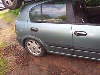 ALMERA a door breaking for parts in very good condition.