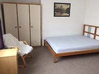 Double Room available in Shirehampton. Great location, lovely house and garden, close to amenities.