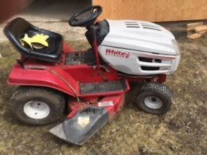 White 160 Ride on lawn mower