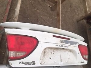 99-04 Oldsmobile Alero Trunk Lids (3)