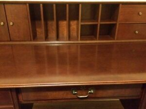 BOMBAY COMPANY DESK, CHAIR & BOOKCASE! Stratford Kitchener Area image 4