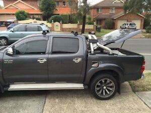 hard lid and sport bar Toyota Hilux SR5 2015 Sadleir Liverpool Area Preview