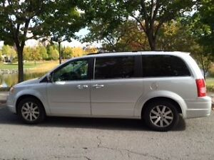 2008 Chrysler Town & Country /mini-fourgonnette de luxe