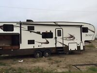 2014 Fifth Wheel for sale