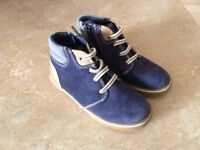 Element Youth size 10
